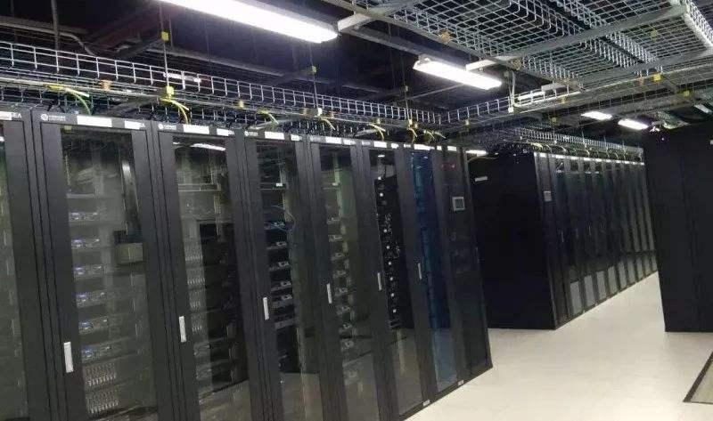 集群服务器托管如何选择适合的机柜